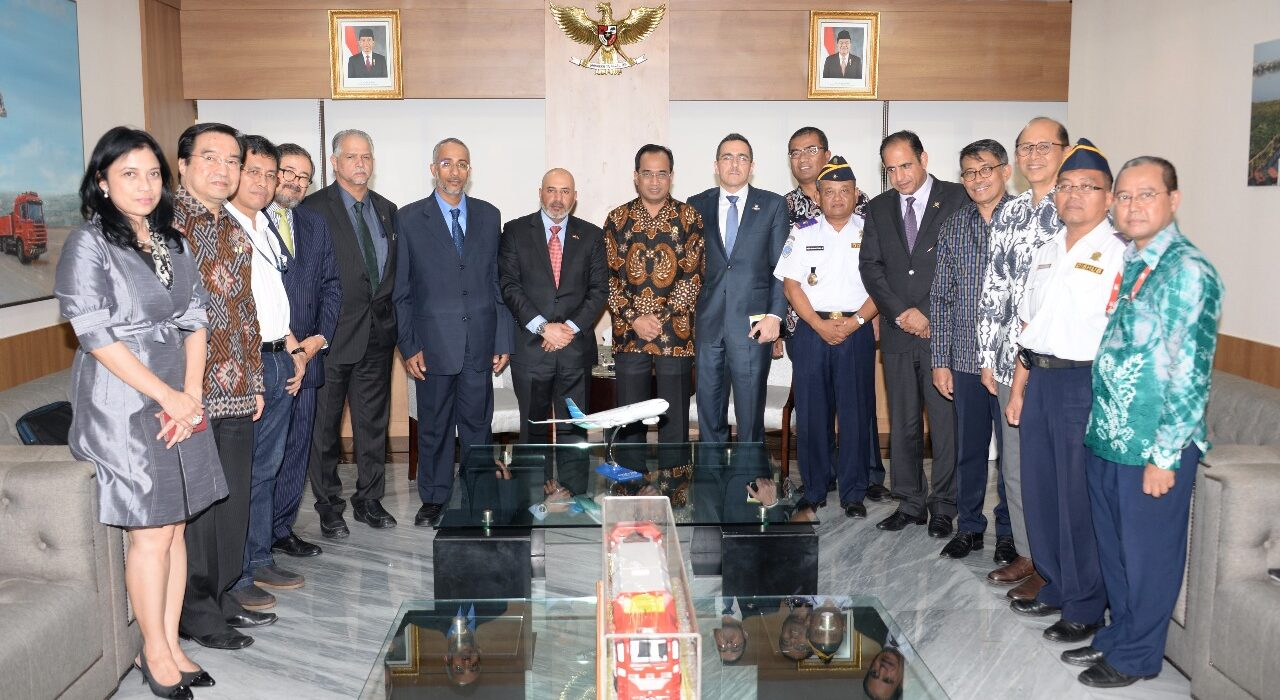 A high-level delegation from Oman visits Indonesia to discuss potential cooperation on port and agricultural development; in the center: left, H.H. Sayyid Nazar Al Said, Ambassador of the Sultanate of Oman to Indonesia; right, H.E. Budi Karya Sumadi, Minister of Transportation of Indonesia (November 2017)